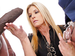 Cougar India Summer Fucks Big Black Dick - Cuckold Sessions